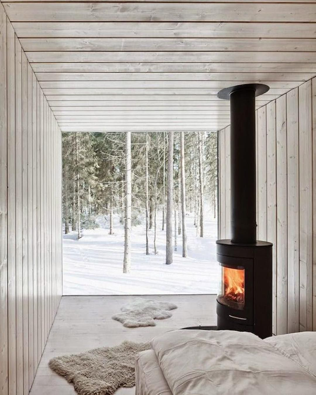 Seven Spectacular Rooms With Fireplace Just Make Sure You Re Following Home Middle In 2020 Fireplace Wood Stove Home Appliances
