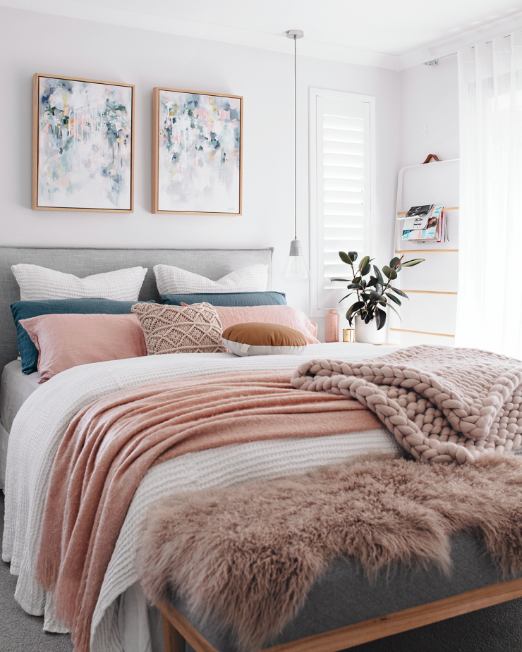 Masterkatefisher Blue Pink And White Cozy Pastel Bedroom With Knit Blanket A Green