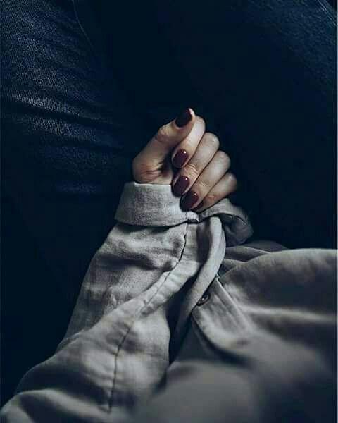 عندما خلق الله هذه الفتاة صفقت له الملائكة ادهم عادل هذا الكون سيء السمعة Hands Photoshoot Holding Hands