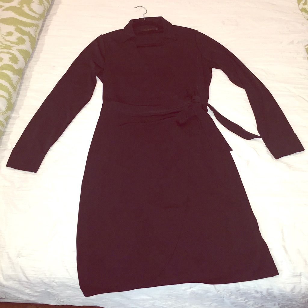 The limited classic black long sleeve wrap dress products