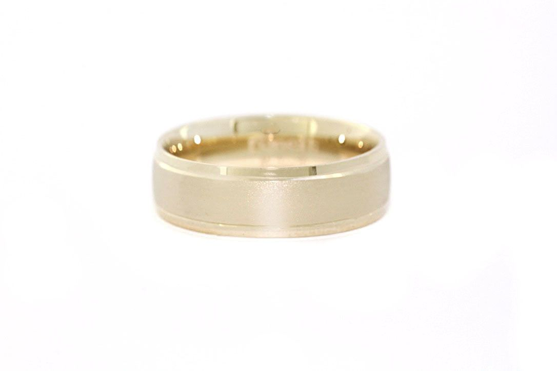 Gold ring description 14 k gold ring color yellow gold