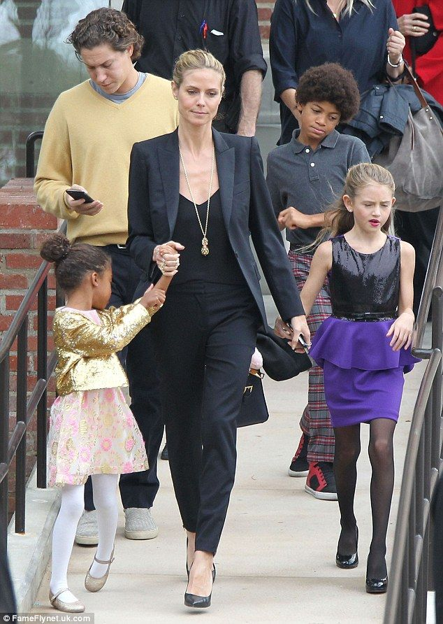 heidi klum takes her kids to the nutcracker with beau vito schnabel. Black Bedroom Furniture Sets. Home Design Ideas