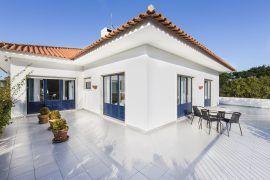 Quinta na Serra de Sintra -2 casas e anexo independentes-piscina (8.000m2)