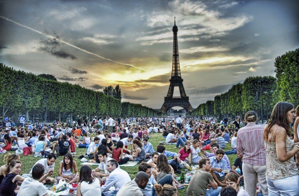 Vorbildlich Frankreich Verbietet Plastikgeschirr Ab 2020 Picnic In Paris Paris Travel