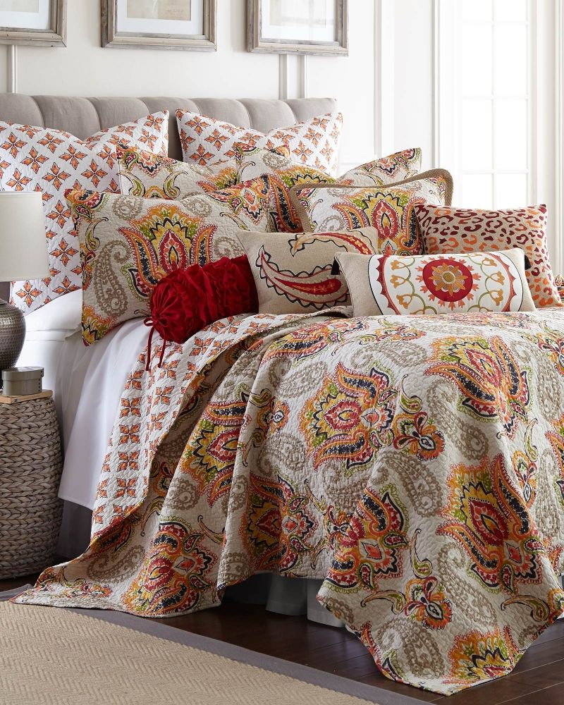 Paisley Luxury Quilt Collection Bed & Bath