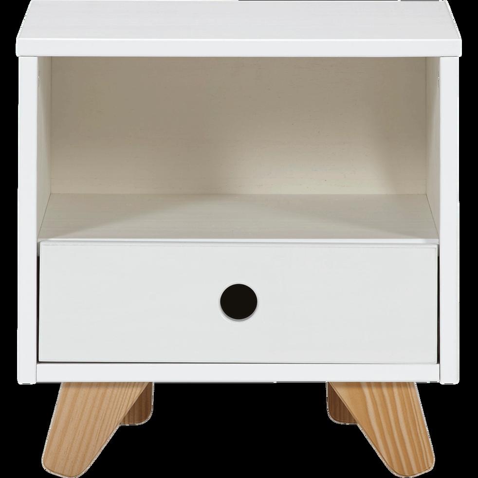 Epingle Par Chloe Calvier Sur Deco Chambres Table De Chevet Enfant Chevet Enfant Table De Chevet