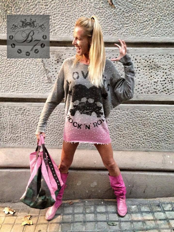 Pink power  B7 boots at TUyYO formentera