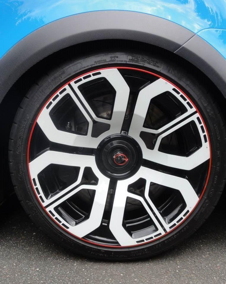 Renault Sport Twin-Run concept alloy wheel