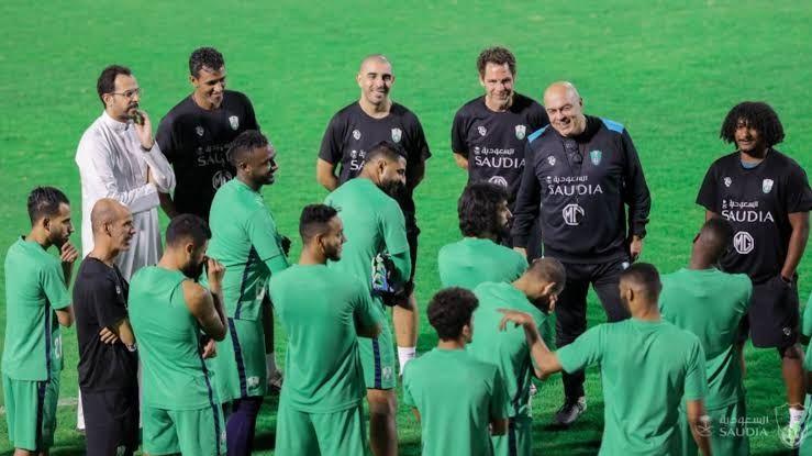 أهلي جده السعودي يجهز السومة و بلايلي للشباب Soccer Field Blog Posts Soccer