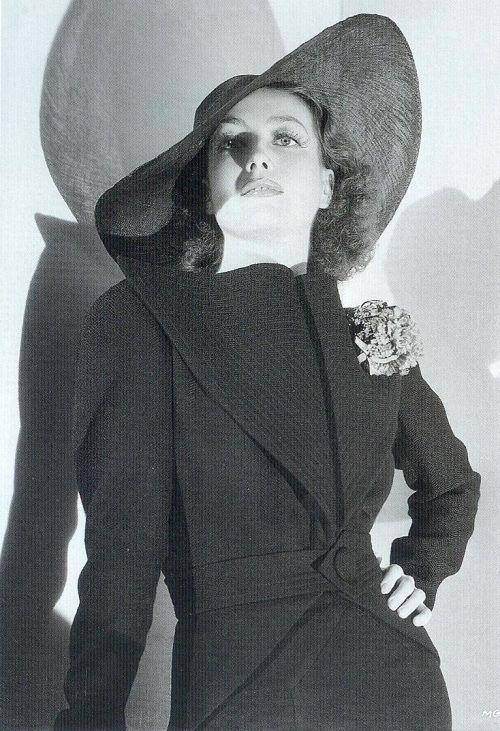 Joan Crawford | Joan Crawford is so beautiful | Pinterest