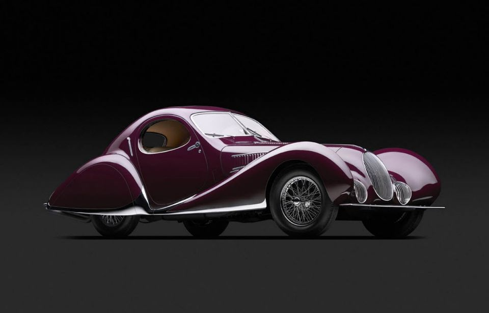 Streamlined cars, designed to go fast, arrive at Portland Art Museum  (photos, roll-in video) | OregonLive.com | Art deco car, Art museum,  Portland museum
