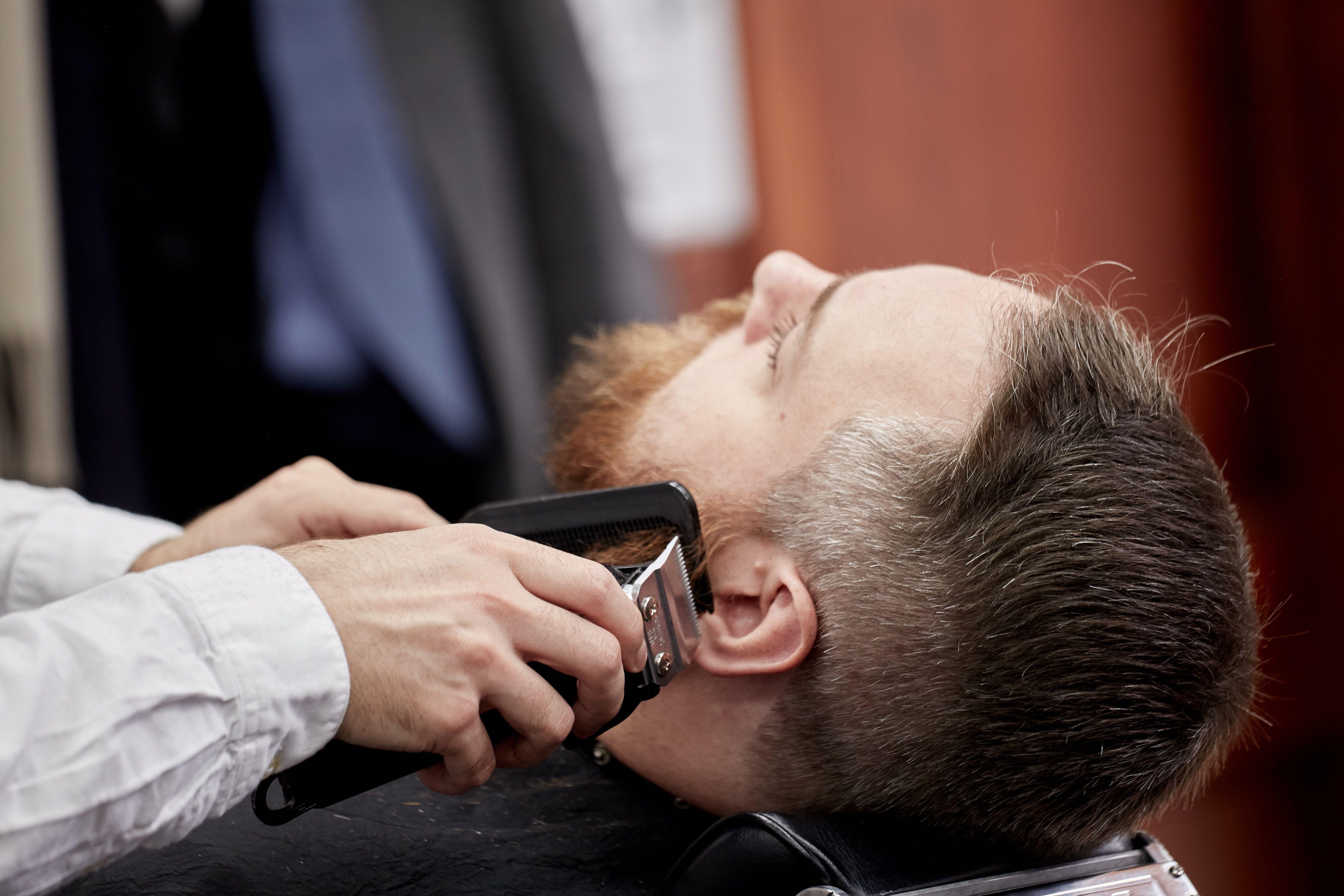 Barber Shop Nyc Best Barbers Nyc Nyc Best Barbers Midtown Rockefeller Barbers Near Me In 2020 Best Barber Best Barber Shop Barber Shop Haircuts