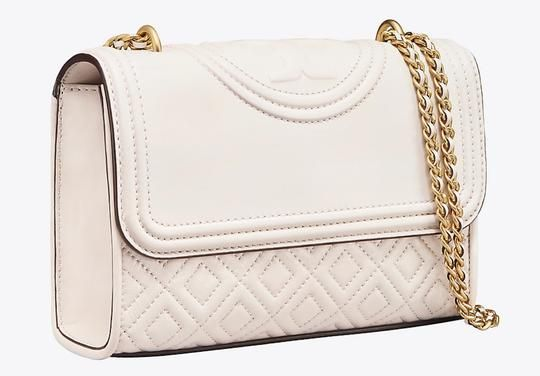 48820fe100 Get one of the hottest styles of the season! The Tory Burch Fleming Small  Shoulder/Cross White Leather Shoulder Bag is a top 10 member favorite on  Tradesy.