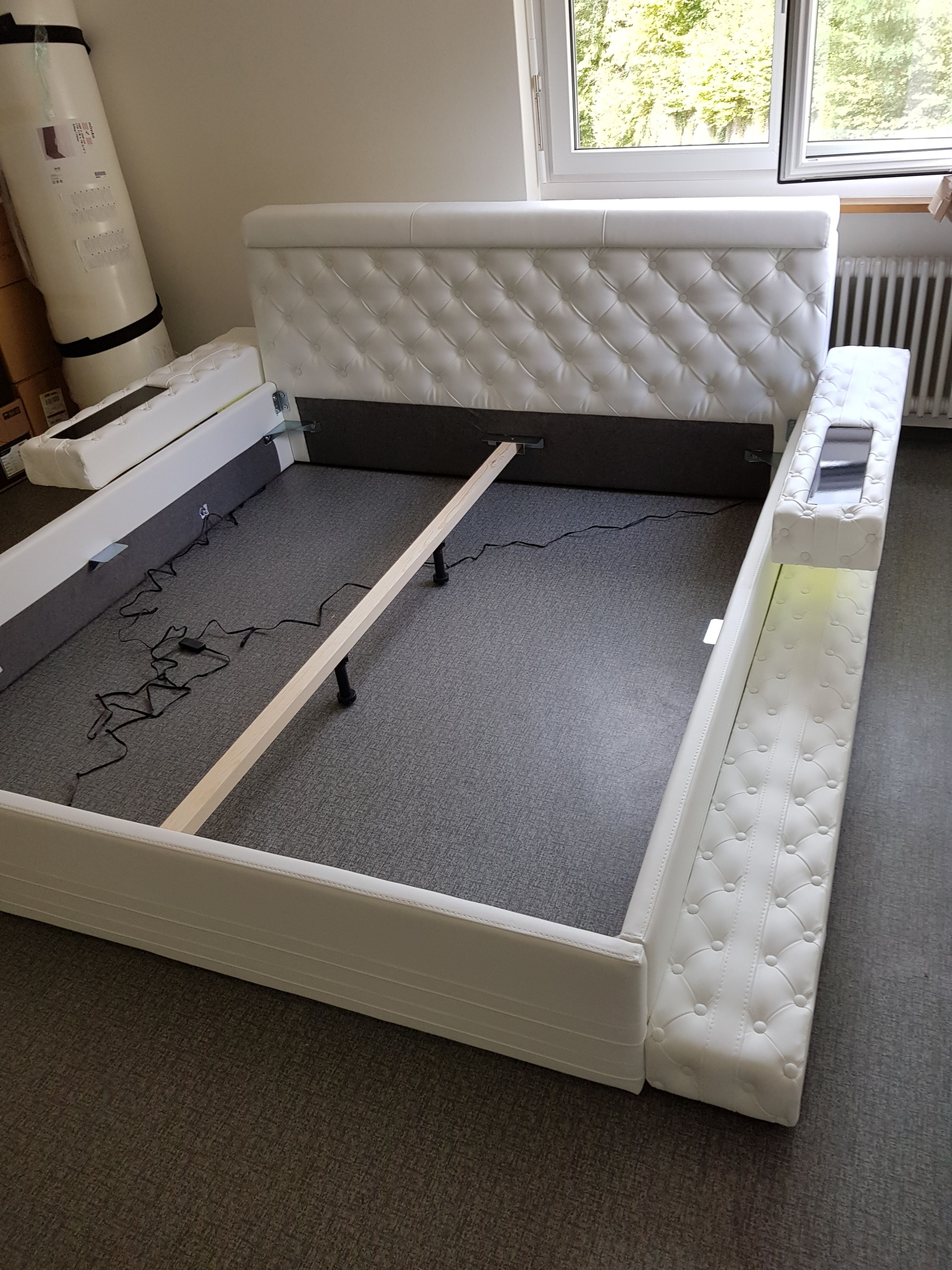 Gestoffeerd Bed Imperial Met Led Verlichting Nativo Meubelen Bed Furniture Design Cozy Room Decor Simple Bedroom Design