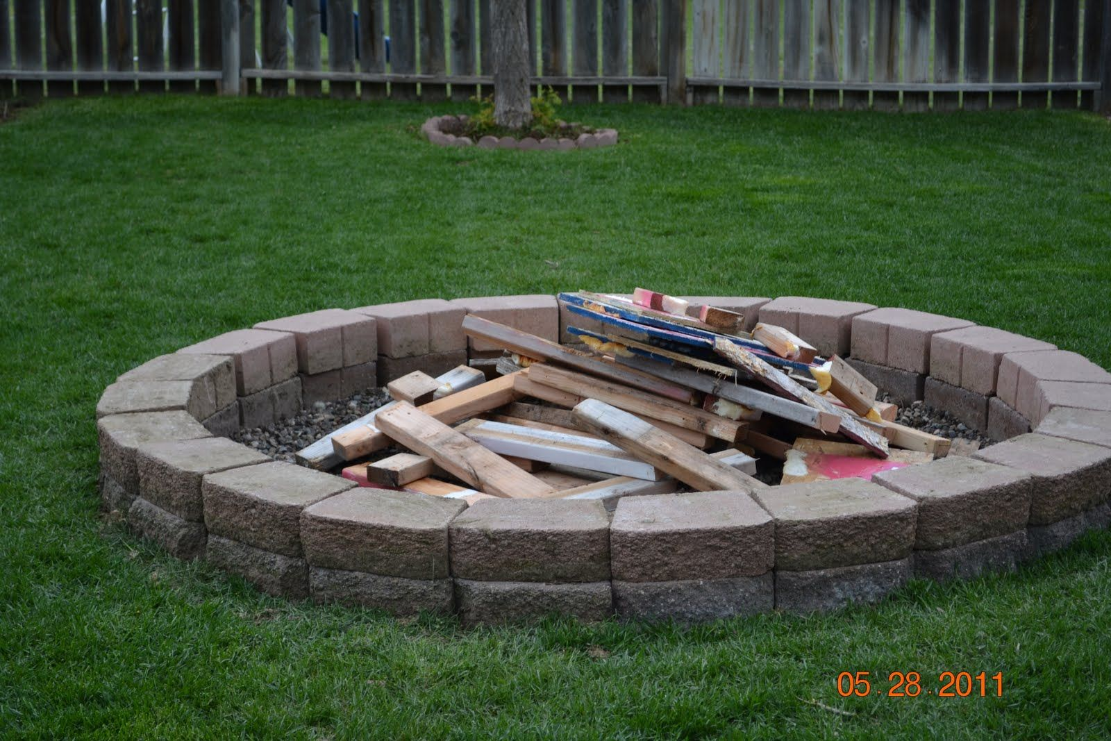 Backyard fire pit ideas landscaping the wonderful family for Buy outdoor fire pit