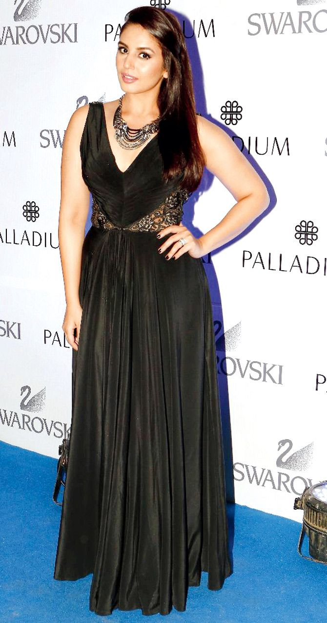 Sridevi Nude Boobs Pretty huma qureshi at an eventswarovski. #bollywood #fashion #style