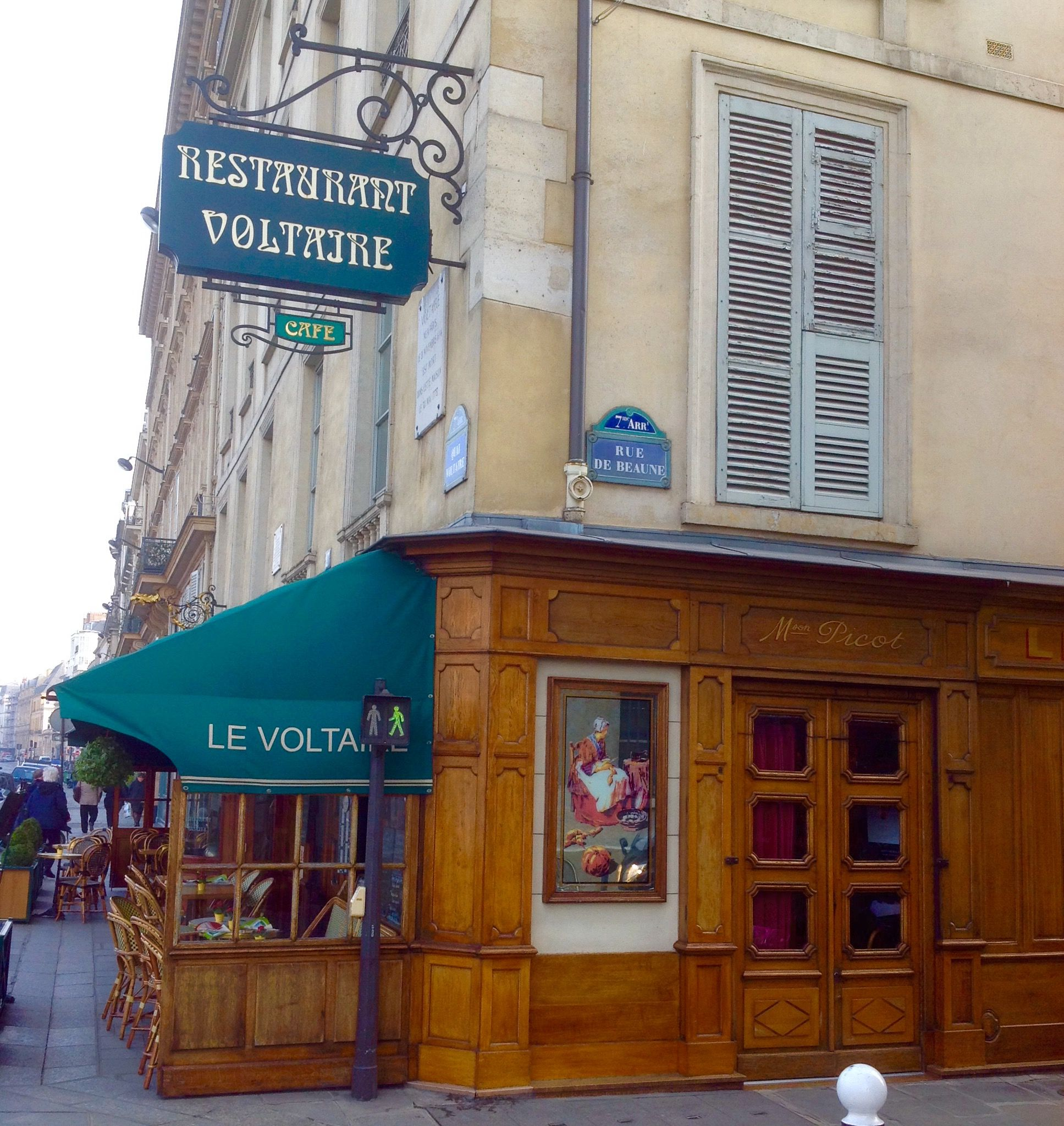 Le Voltaire Is An Old And Traditional Restaurant Near The Museum