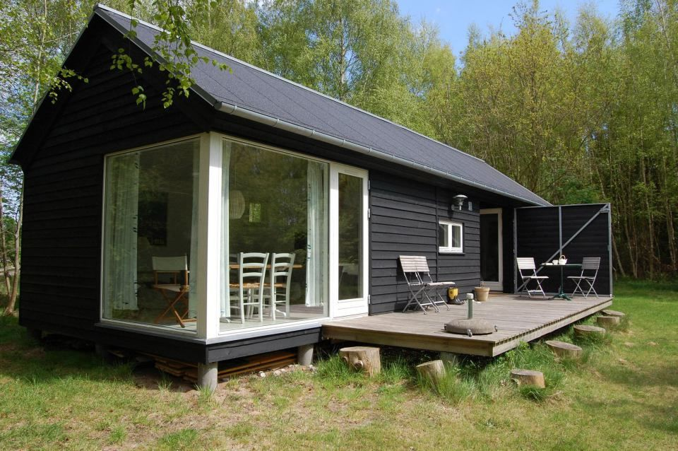 The L¦ngehuset a modular vacation house from Denmark with 2