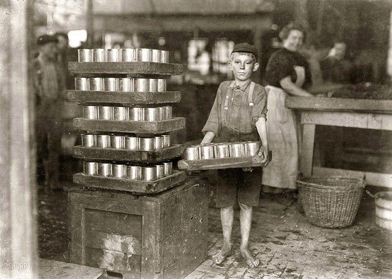 enfant au travail photographie de lewis hines 1909 child laborer portrayed by lewis hine. Black Bedroom Furniture Sets. Home Design Ideas