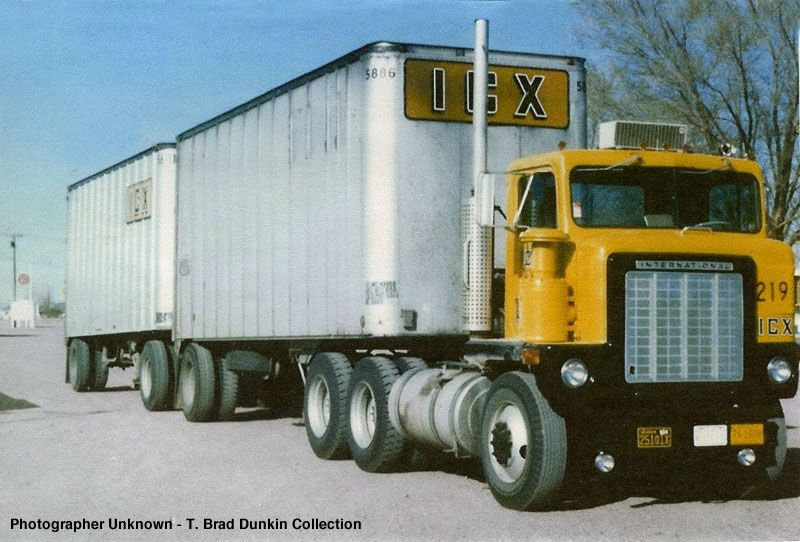 Illinois/Calif. express Big trucks, Classic trucks