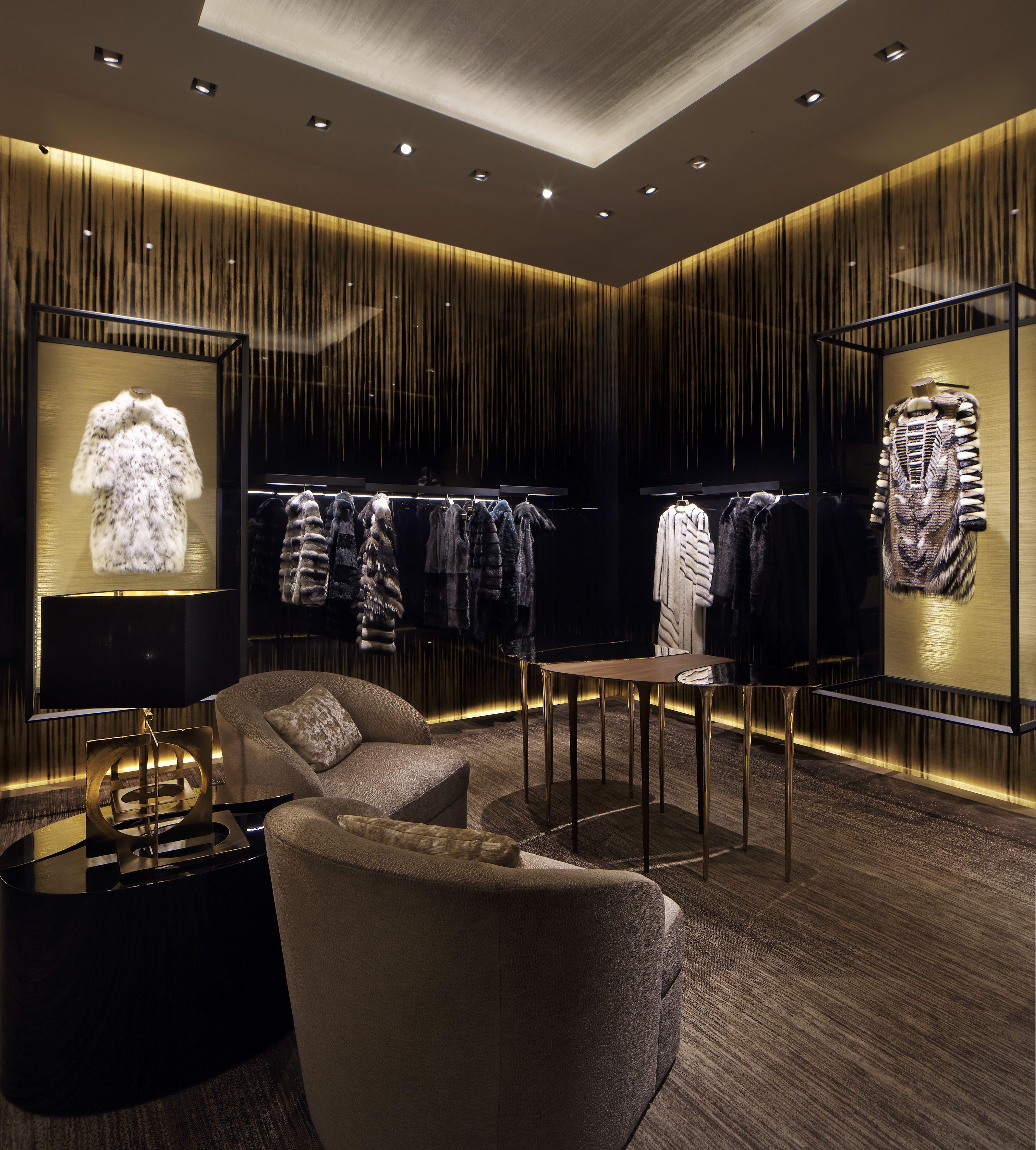 Fendi boutique in milan melrose tiendas de ropa for Diseno de interiores almacenes de ropa