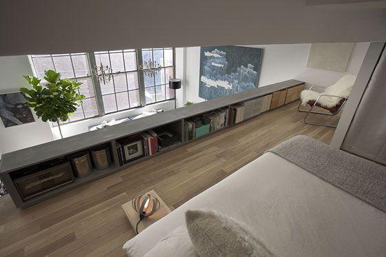 Une Renovation De Loft A New York Meuble Bas Salon Meuble Bas Chambre Lit Mezzanine
