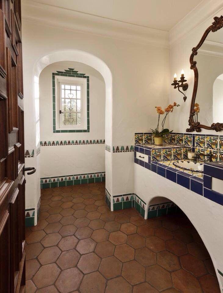 Spanish style | Baños | Pinterest | Salle de bains, Salle et Maisons