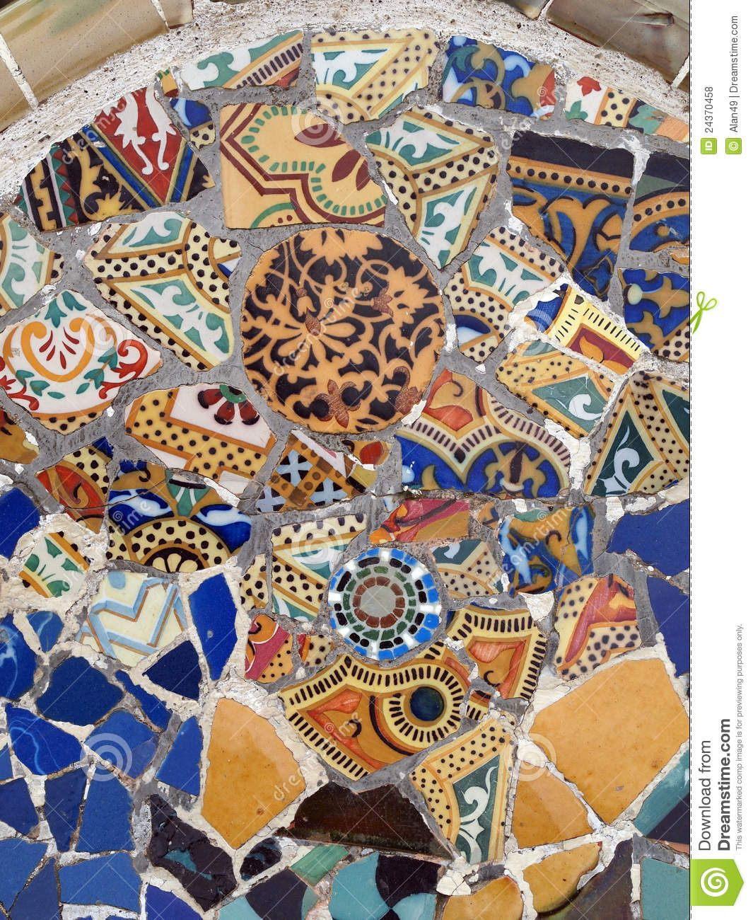 Gaudi Mosaic tiles - Barcelona. ☮k☮ ♥ #bluedivagal ...