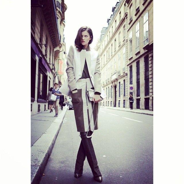 #Fashionista #imodaediccionario es un término muy nuevo que significa fanático de la moda, amante de las últimas tendencias. Es aquella persona que tiene lo que se ve en las pasarelas. Viene de la palabra fashion, que en inglés significa moda