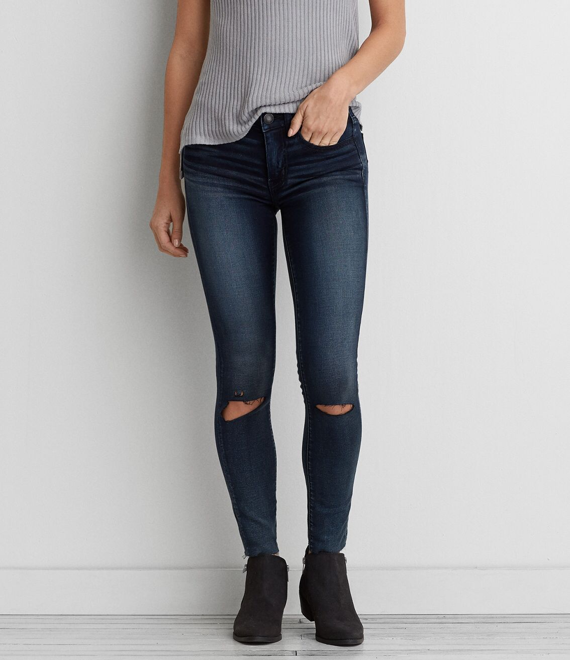 I'm sharing the love with you! Check out the cool stuff I just found at AEO: https://www.ae.com/web/browse/product.jsp?productId=0431_9766_486