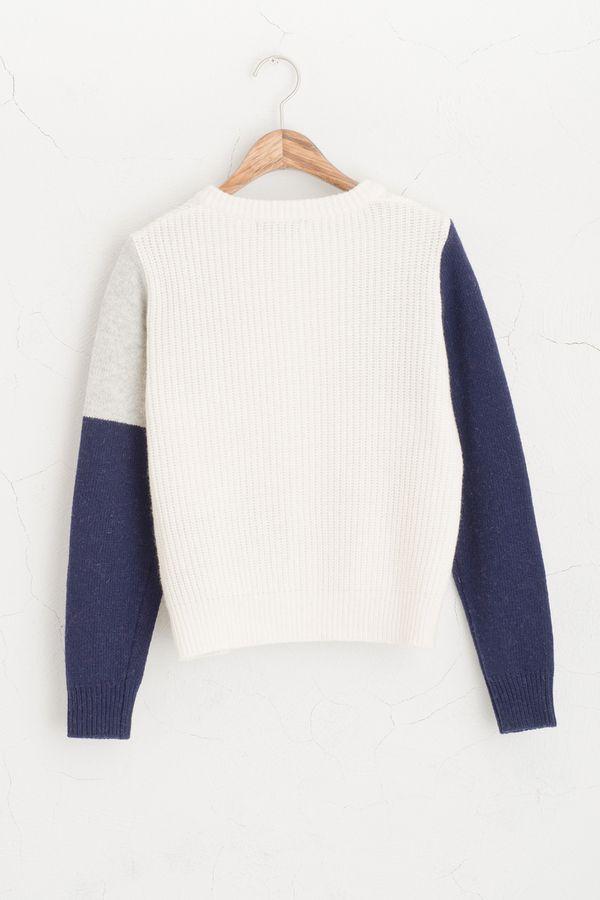 (http://www.oliveclothing.com/oliveunique-p-20141025-035-ivory-sm-color-block-mini-cardigan-ivory)