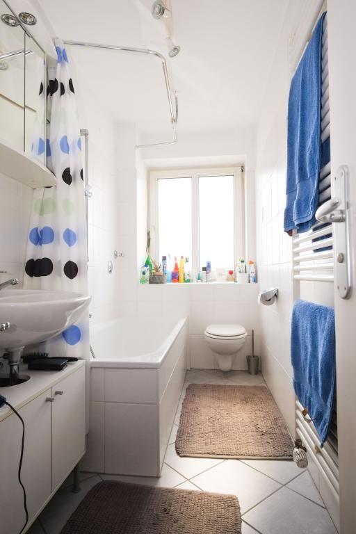 schones badezimmer, schönes helles badezimmer mit gepunktetem duschvorhang und braunen, Design ideen