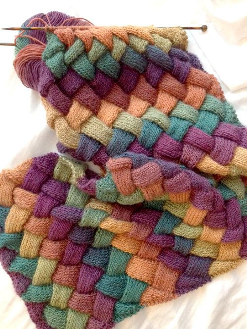 Pebbles Entrelac Scarf - Free Pattern #knittingpatternsfree