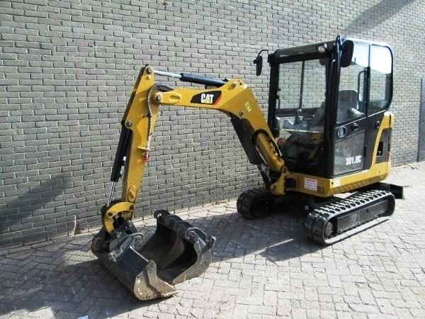 Caterpillar 301.8 C Year 2010 1300 hrs n. 3 buckets hammer line original paint first owner cab antitheft  machine as new one!!