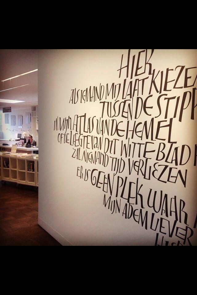Pin de Catherine Debrauwere en romeinse kapitalen Pinterest - paredes con letras