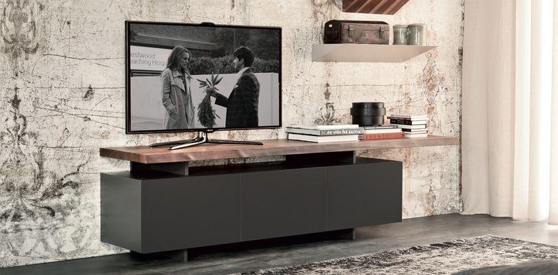 SENECA | Sideboards | Sideboards U0026 Wohnwände | Whou0027s Perfect Schlichte  Kommode Mit Dunklem Holzbrett