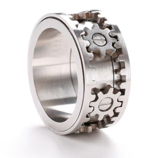 Would this constantly pinch? engineer ring