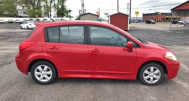 2011 Nissan Versa 1.8 SL Hatchback   $4,900 Mileage: 86,934 Miles 11200  Saint Charles Rock