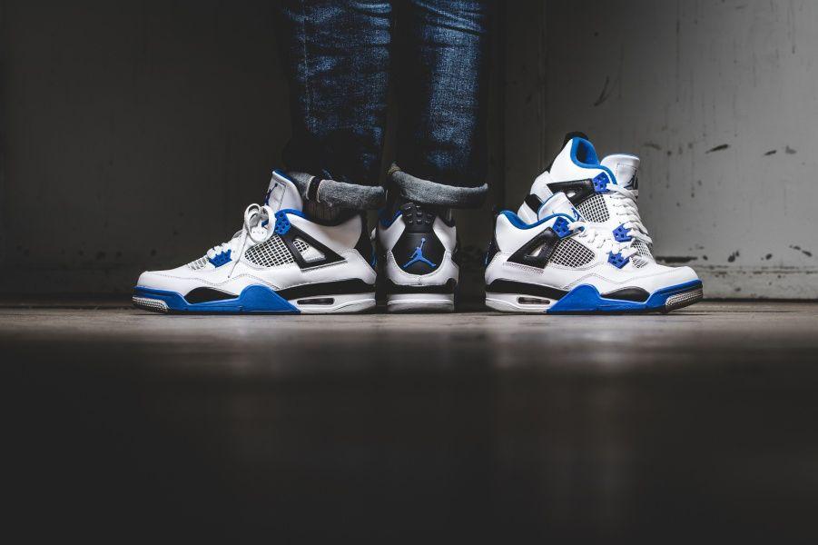 5376e7aa058de Air Jordan 4 Retro « Motorsport » Credit   43einhalb  Nike  Inside  Sneakers