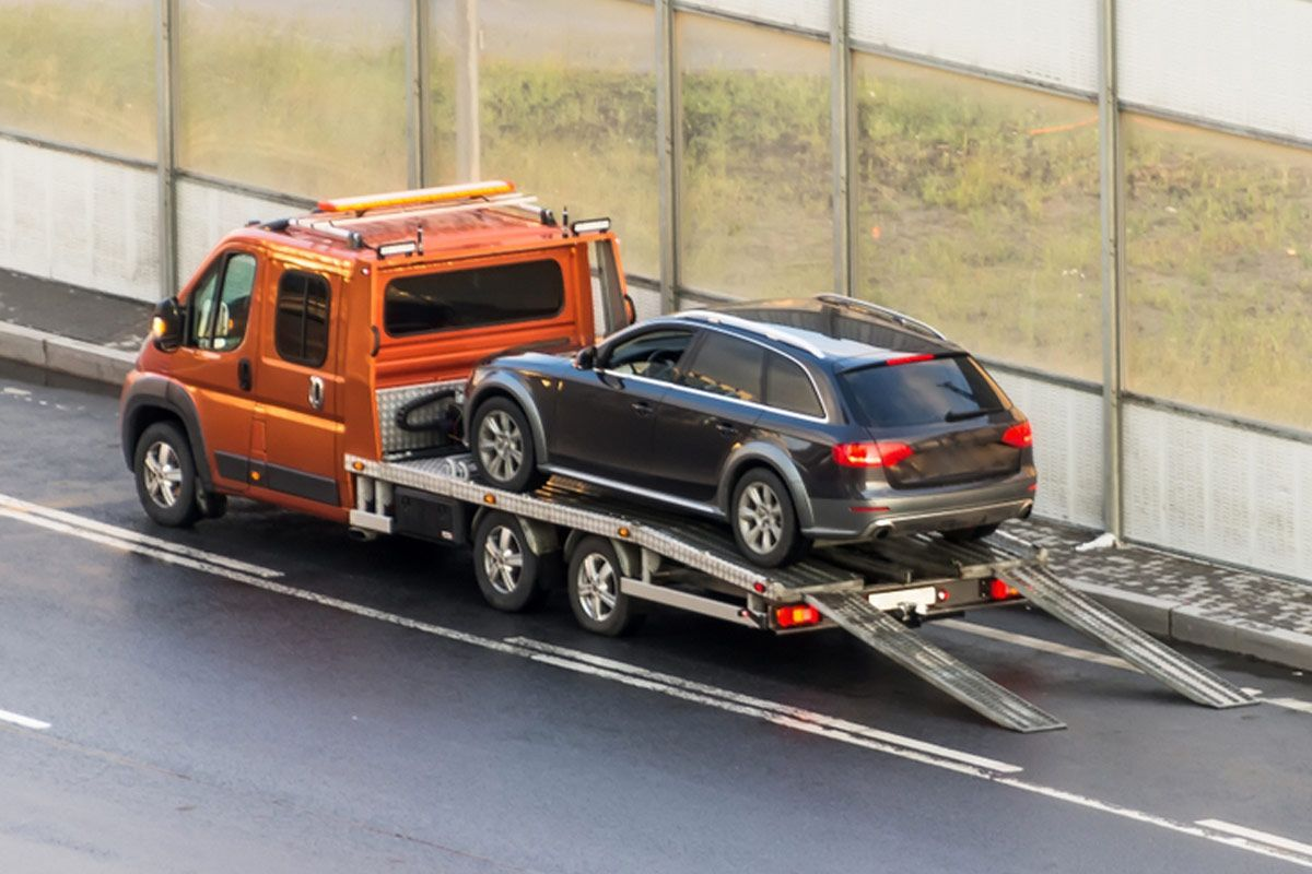Full Tow Truck Service And 24 Hour Emergency Road Side Assistance