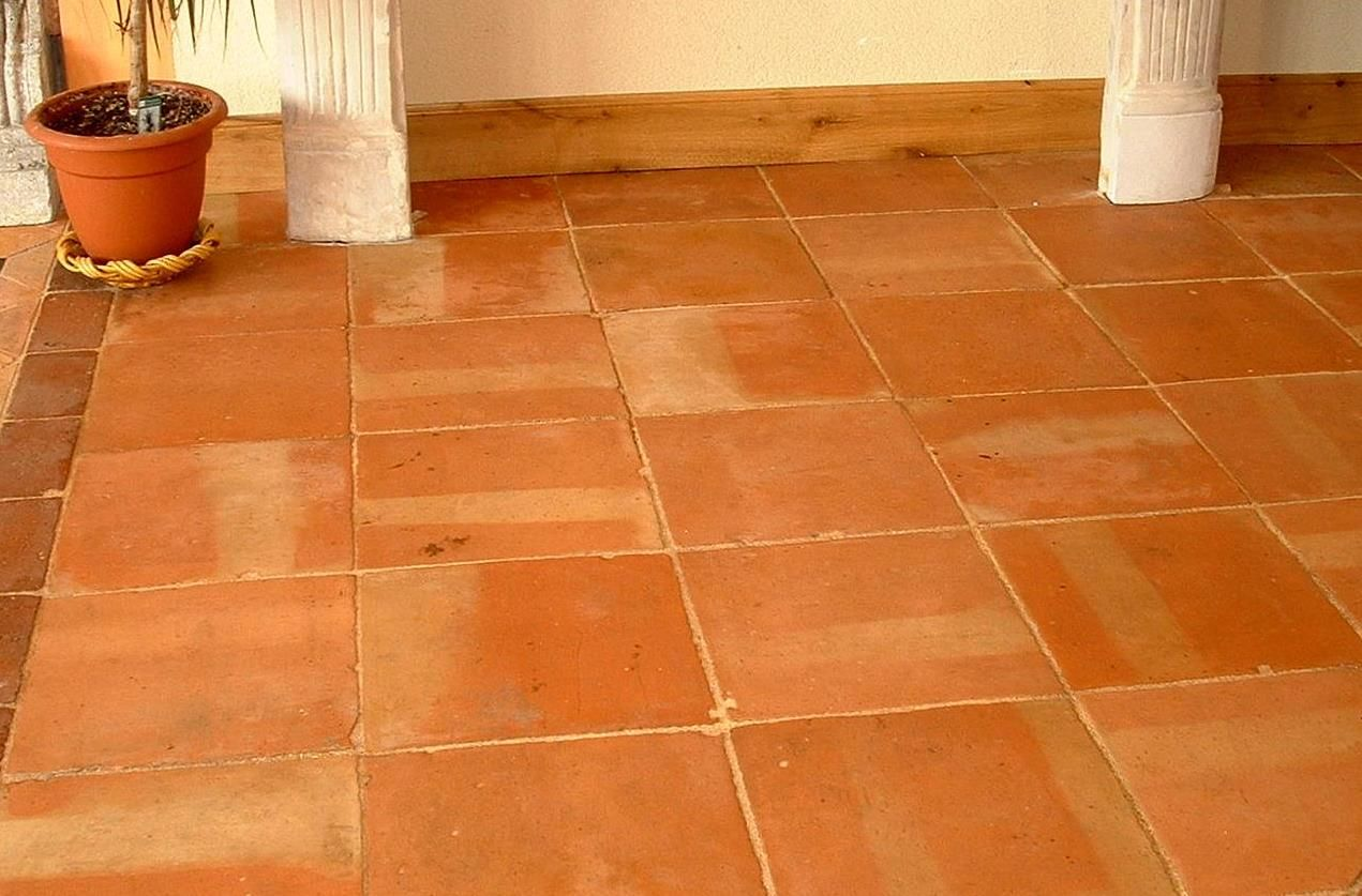Tomette ancienne en terre cuite de r cup ration patin for Carrelage orange sol