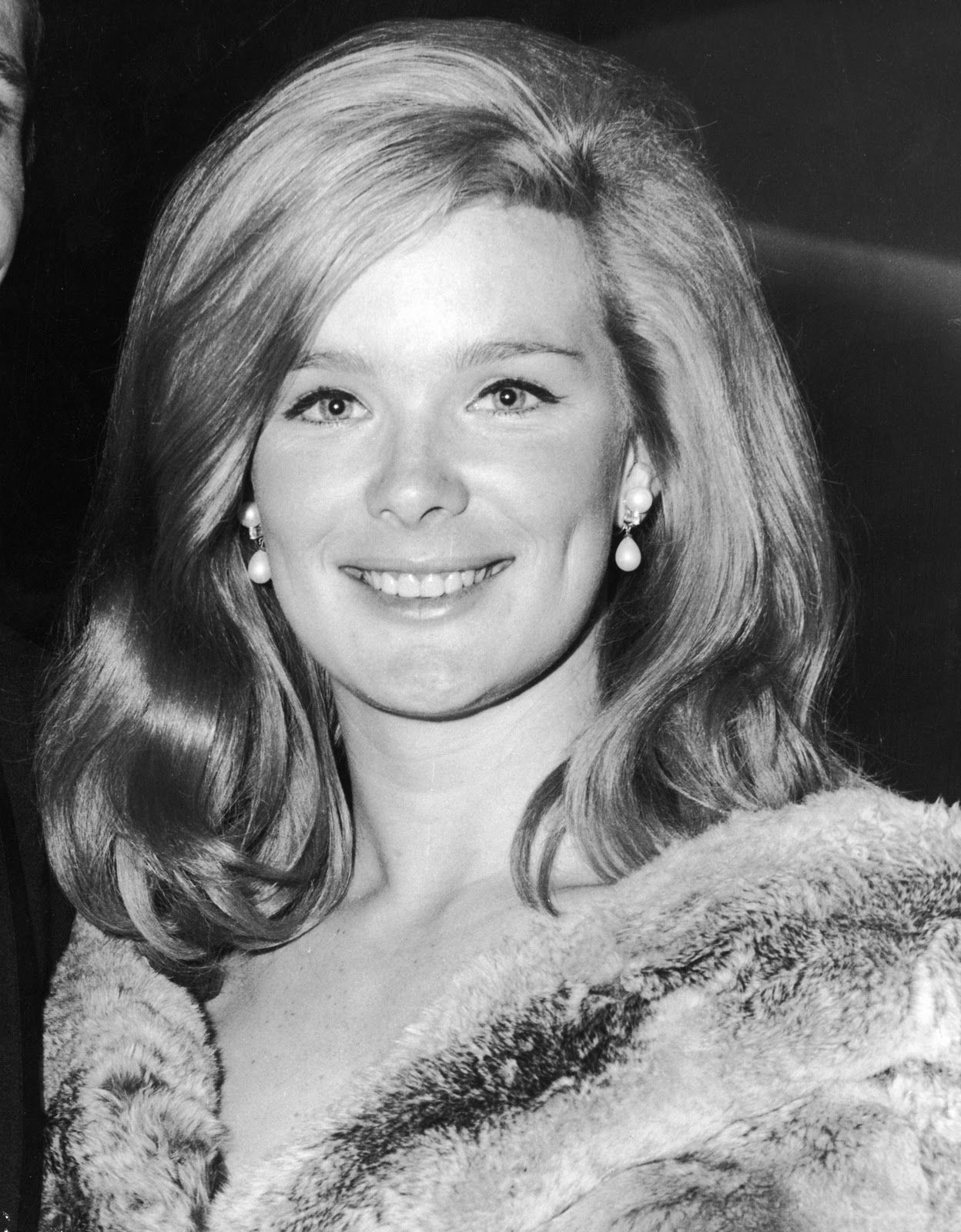 Communication on this topic: Laura Wright, linda-evans-born-november-18-1942-age/