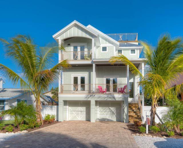 Anna Maria Island Vacation Rentals Pets Annamaria Com Beach Cottage Exterior Cottage Exterior Island Vacation Rentals