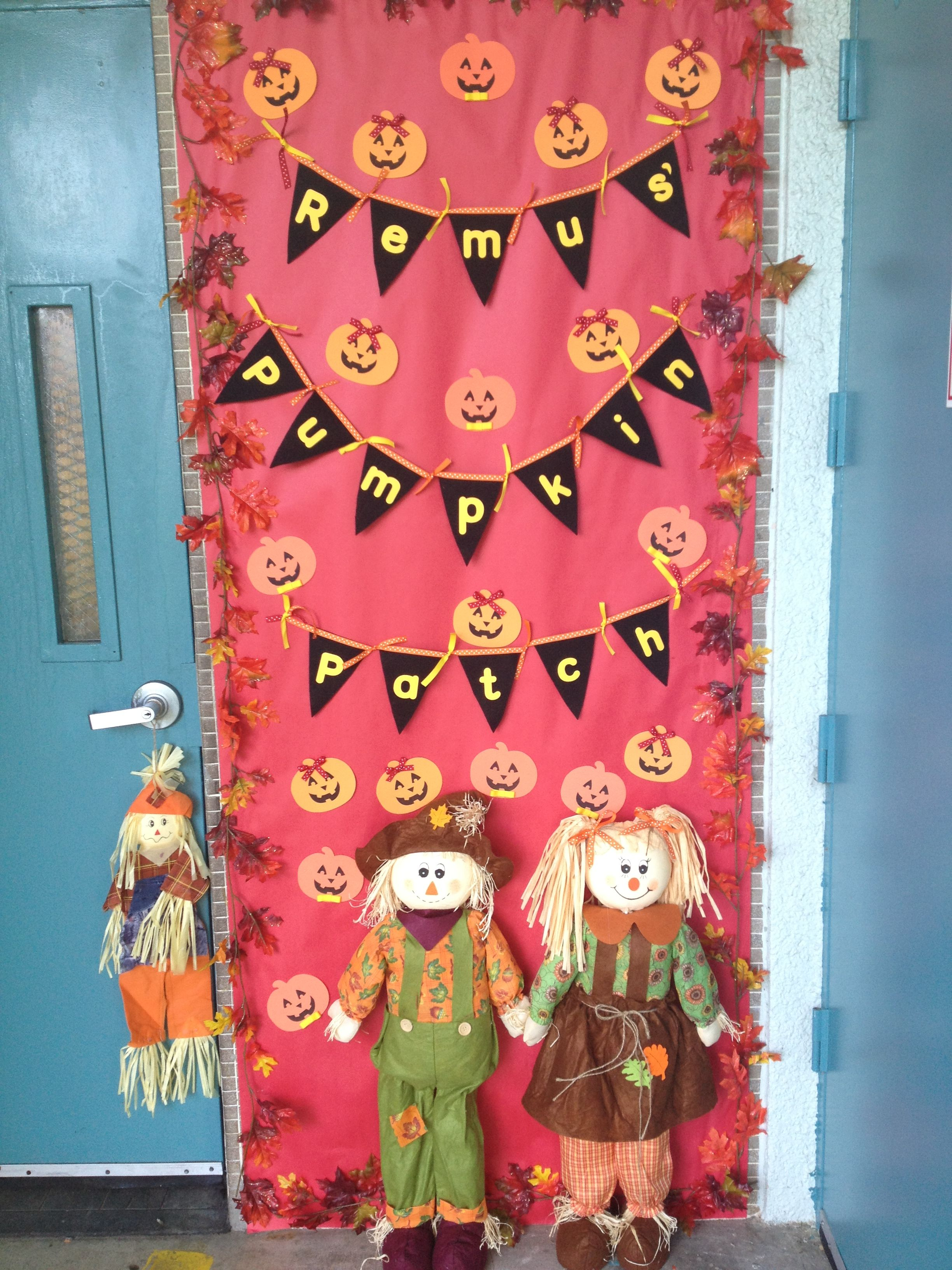 Classroom fall door decorations fall classroom ideas for Autumn classroom door decoration ideas
