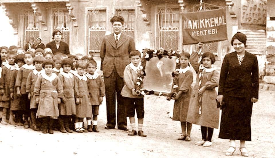 Namık Kemal Mektebi 1933 İstanbul.
