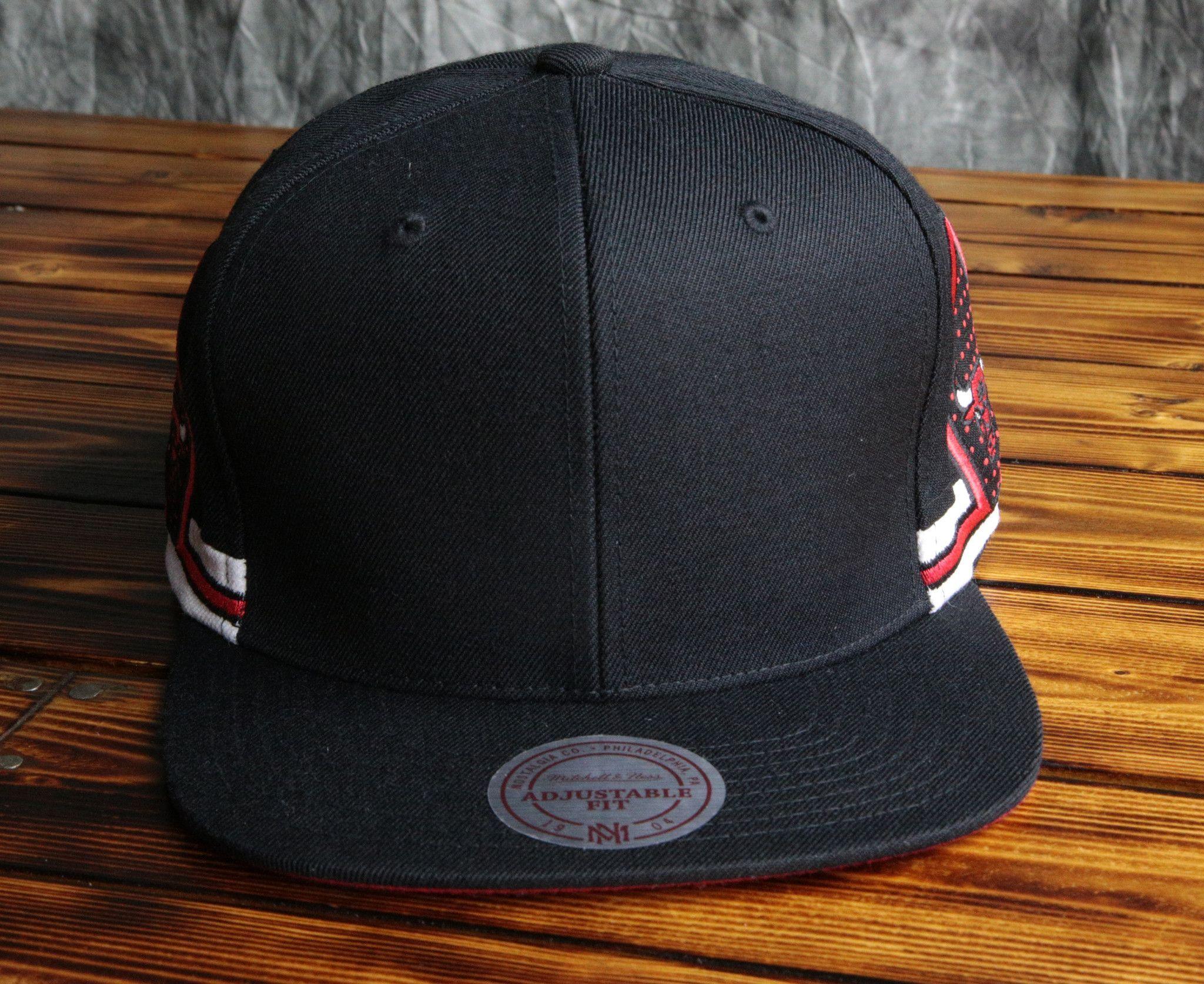 Chicago Bulls Mitchell   Ness Blank Front Short Hook Snapback Hat ... 812ec693ab5