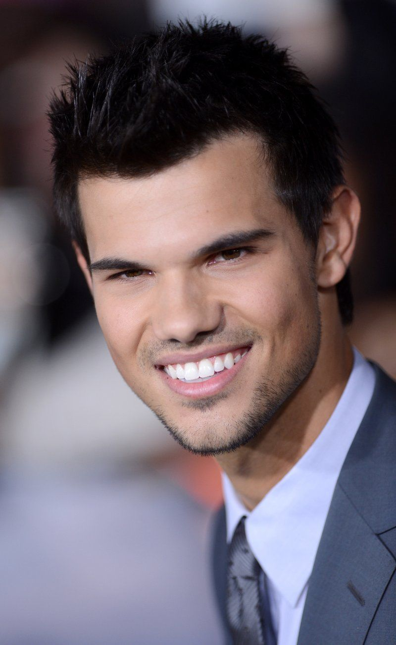 Most Popular People Born in 1992 | Taylor lautner ...