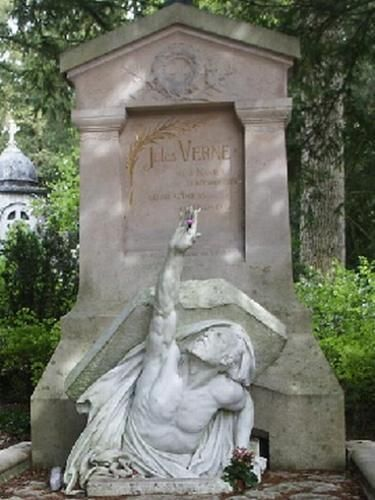grave of author poet and playwright jules verne la madeleine cemetery amiens departement de. Black Bedroom Furniture Sets. Home Design Ideas