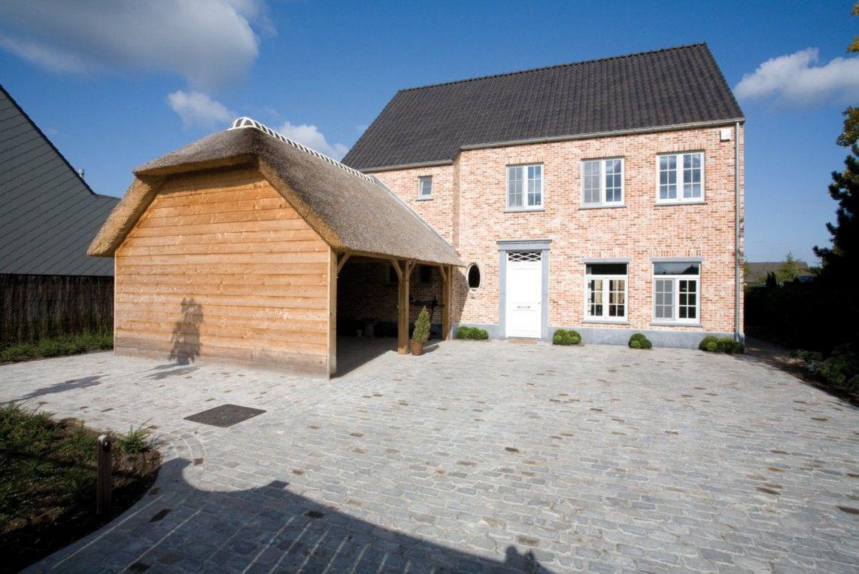 Bouwonderneming Ooms | pastorij woning | carport in hout met rieten ...