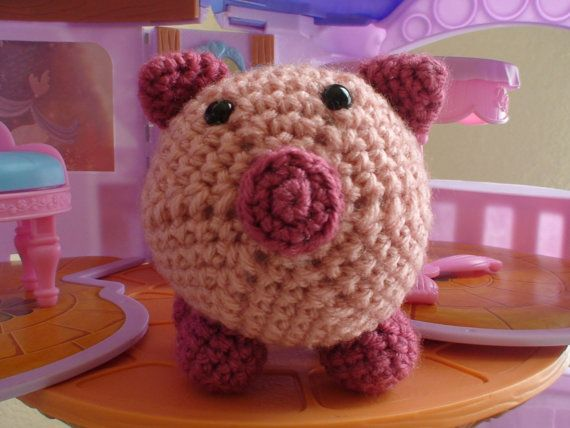 Ophelia Pig by MummyMade on Etsy, $8.00